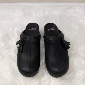 Dansko leather mules black women 8